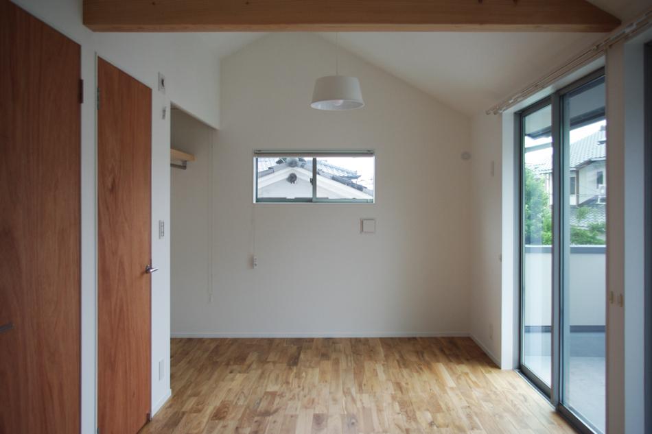 窓,白い照明,シンプル