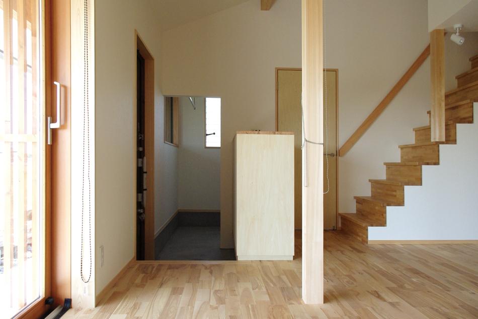 玄関土間,玄関,収納,階段