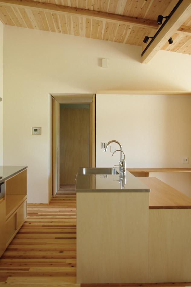 造作キッチン,キッチン収納,板張り天井