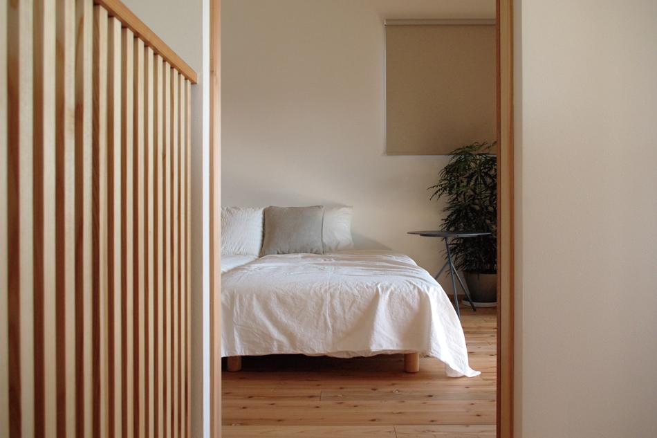 寝室,格子,無垢フローリング