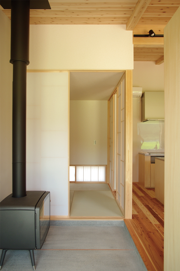 黒い薪ストーブ,玄関