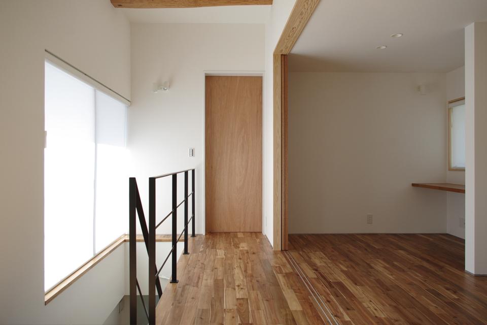 2階ホールから個室を見る,オーク,